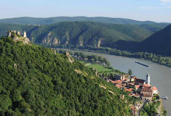 000004562-wachau_valley