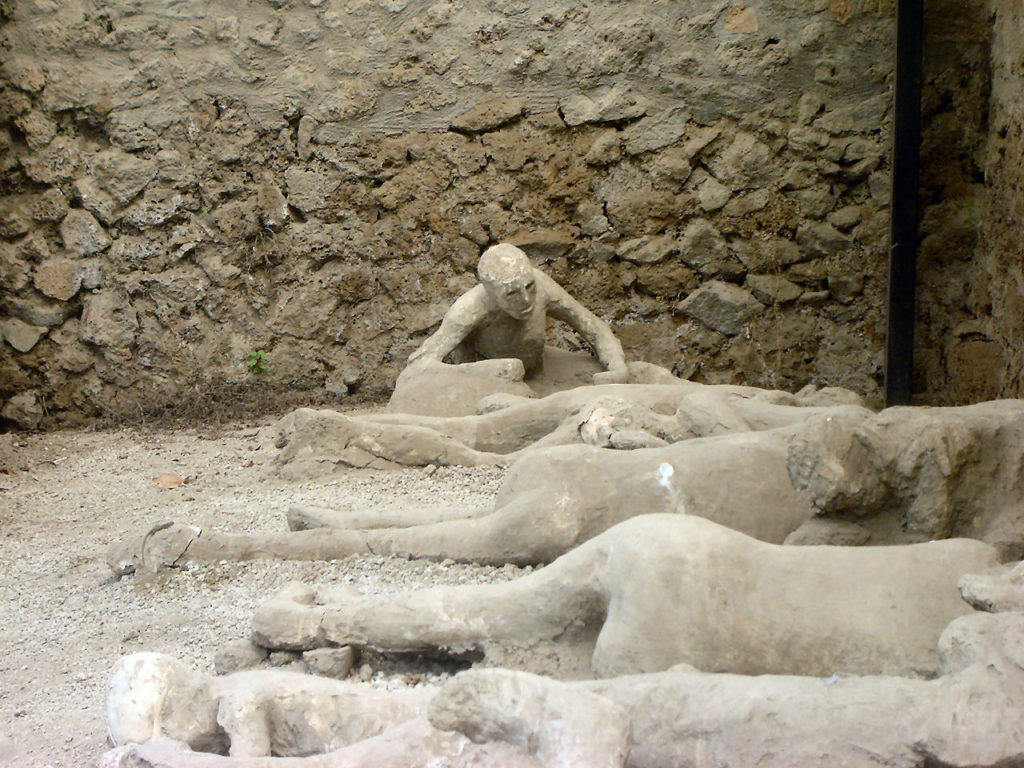 Bodies_in_Pompeii_2_by_LAURAotms