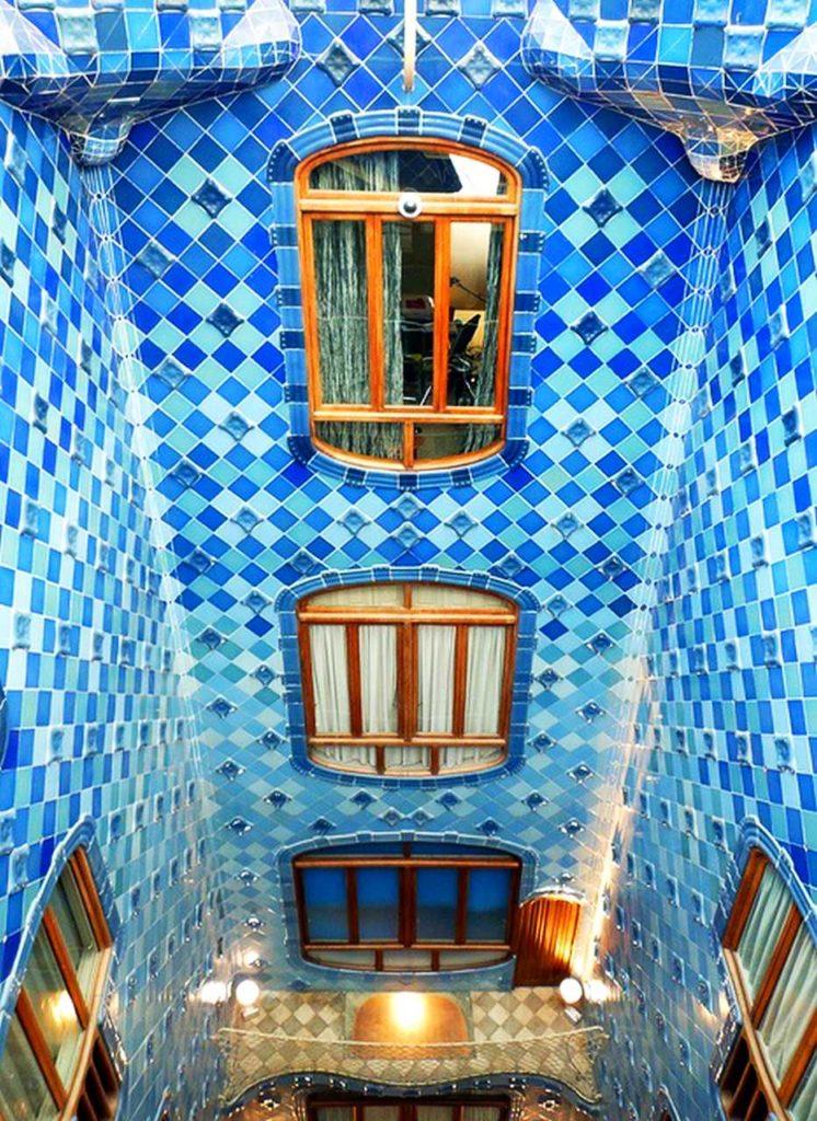 Maria-Brito_Barcelona-Gaudi-12