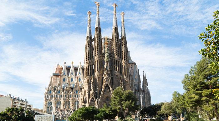 Sagrada-Familia-In-Barcelona-Bookmundi